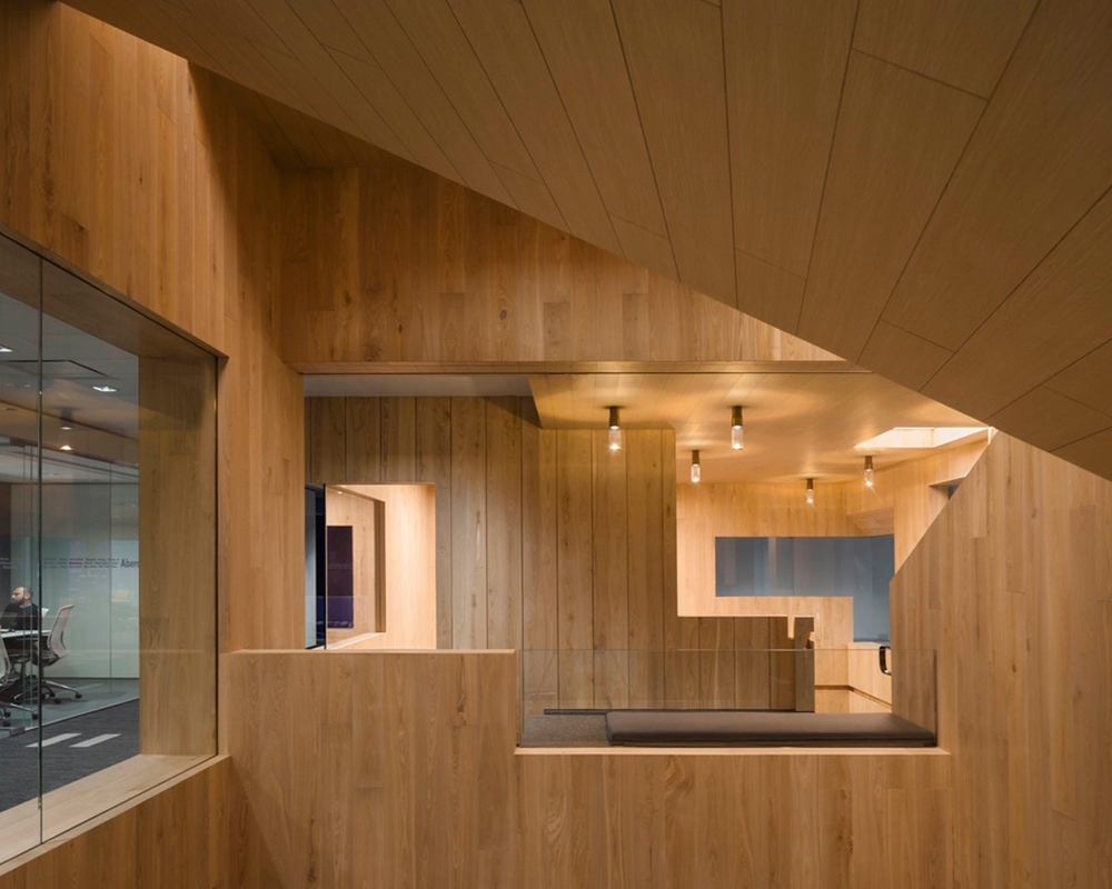 Curio_Stair_of_Encounters_-_Bloomberg_HK_Office_photographed_by_Pedro_Pegenaute_(14)