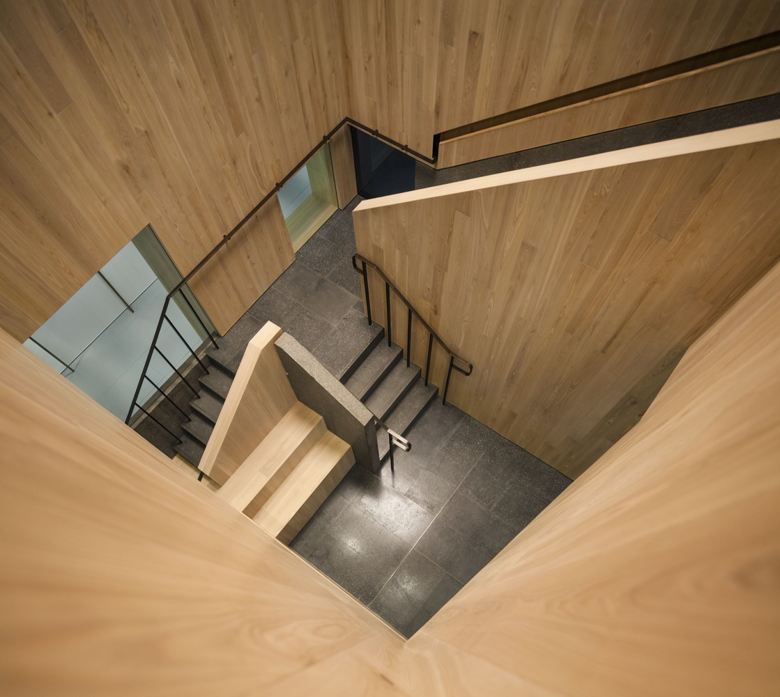 Curio_Stair_of_Encounters_-_Bloomberg_HK_Office_photographed_by_Pedro_Pegenaute_(19)