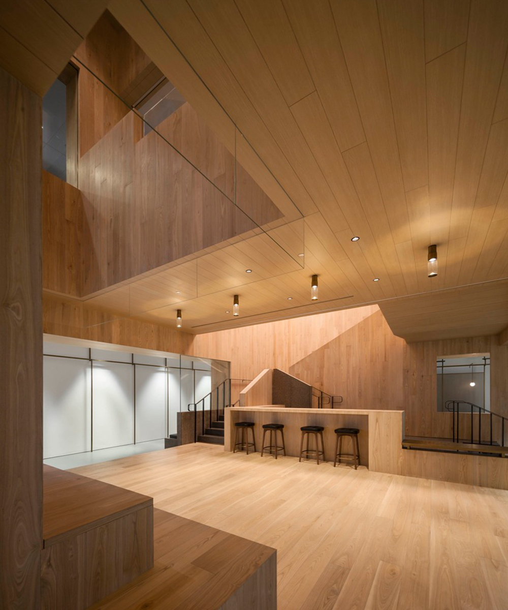 Curio_Stair_of_Encounters_-_Bloomberg_HK_Office_photographed_by_Pedro_Pegenaute_(3)