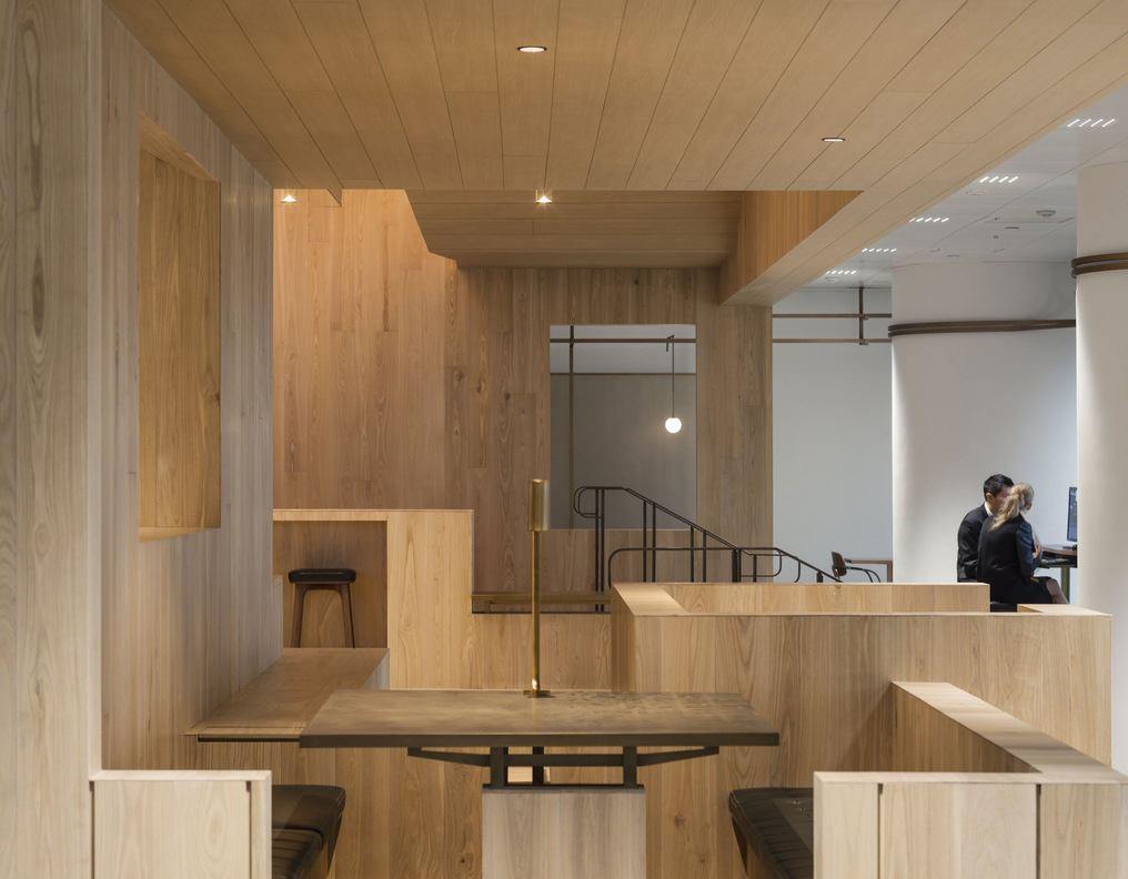 Curio_Stair_of_Encounters_-_Bloomberg_HK_Office_photographed_by_Pedro_Pegenaute_(4)