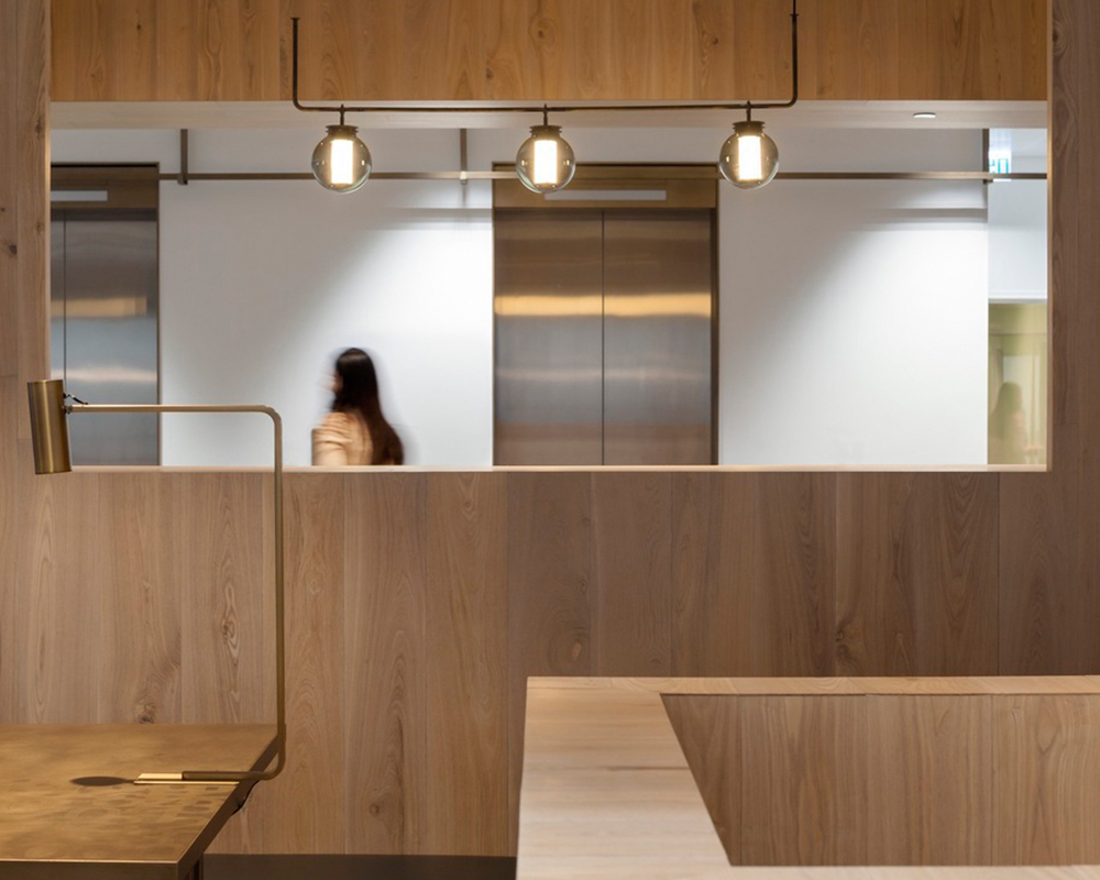 Curio_Stair_of_Encounters_-_Bloomberg_HK_Office_photographed_by_Pedro_Pegenaute_(5)
