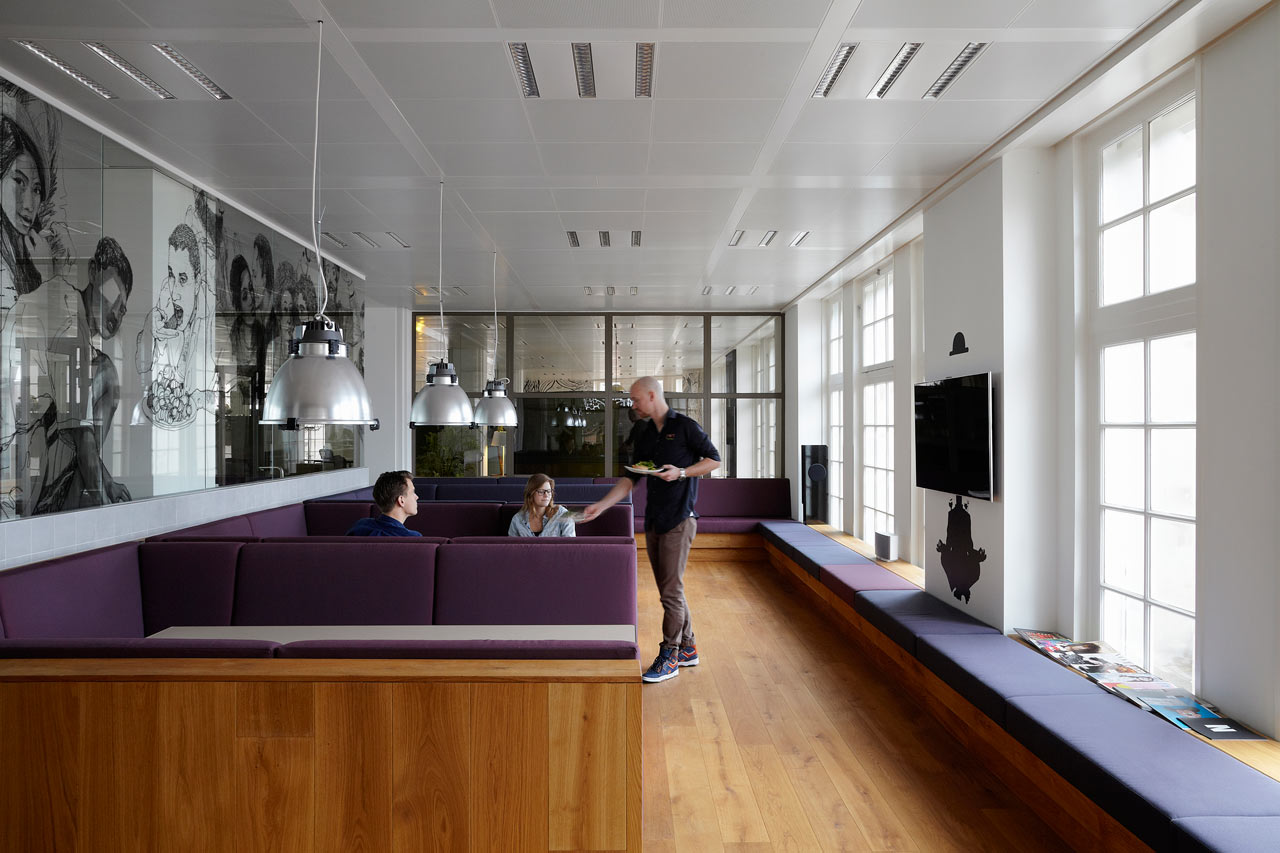 JWT-Amsterdam-Office-11-Cafe