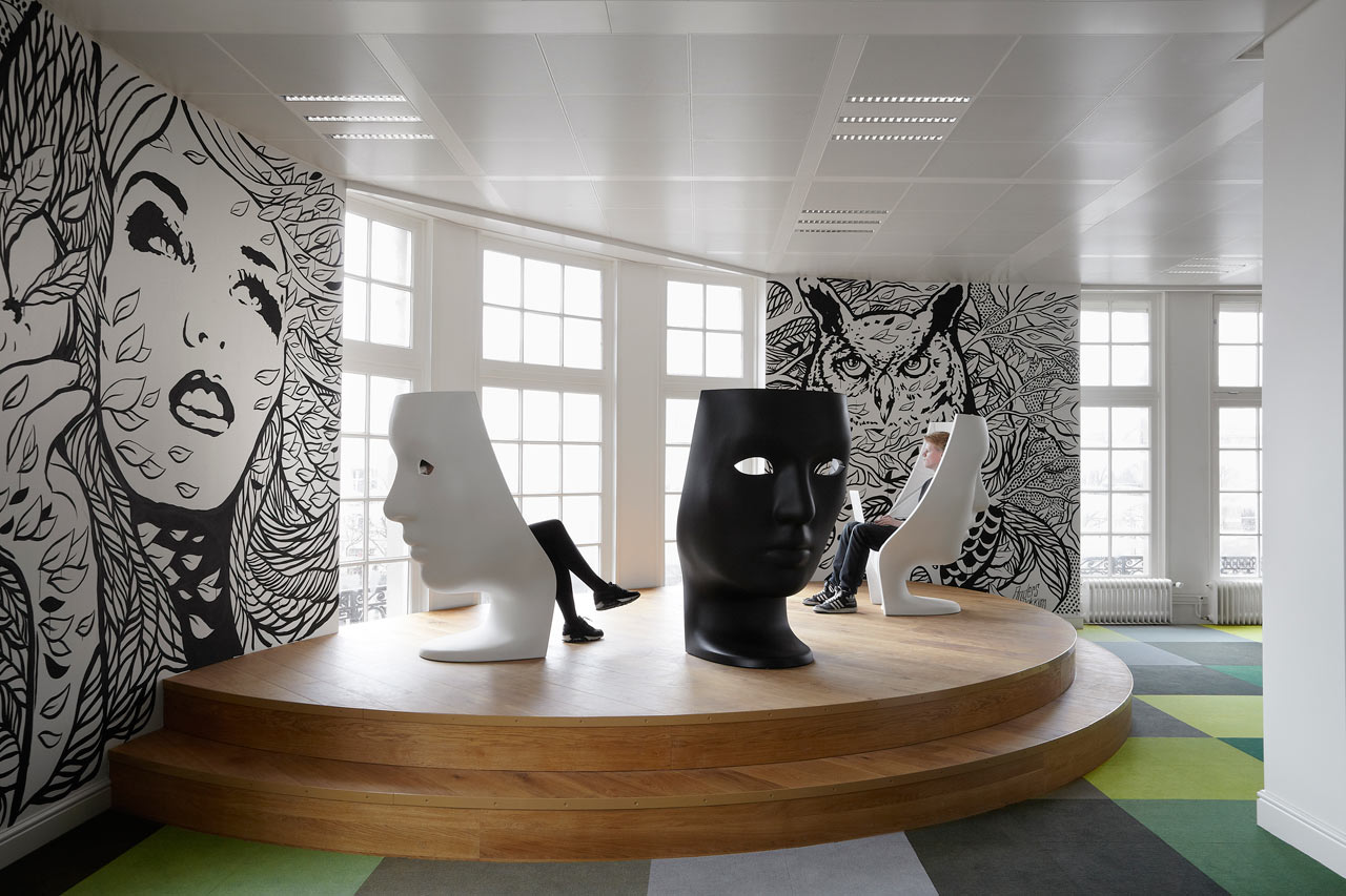 JWT-Amsterdam-Office-6-Podium