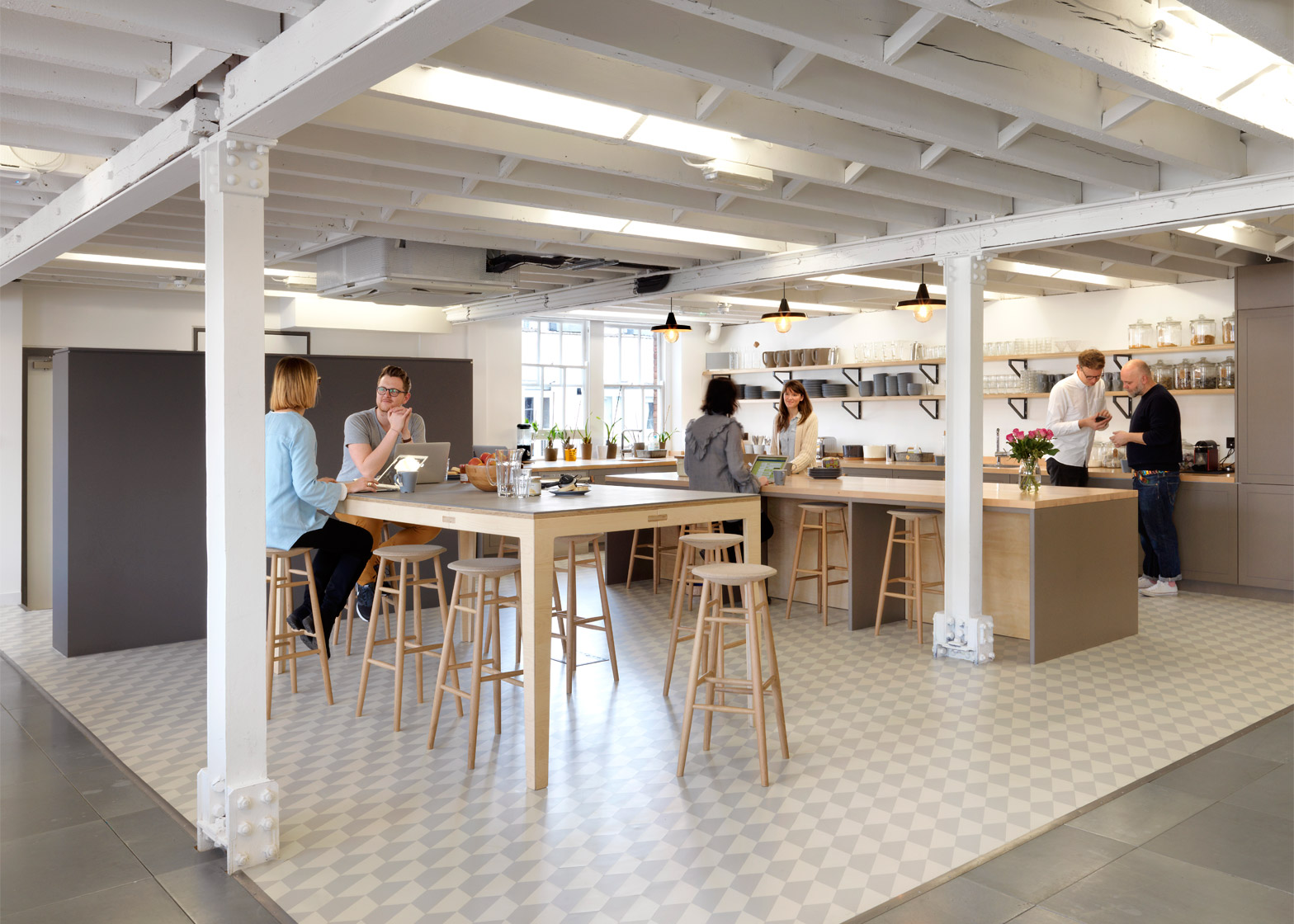 airbnb-office_london_threefold_dezeen_1568_2