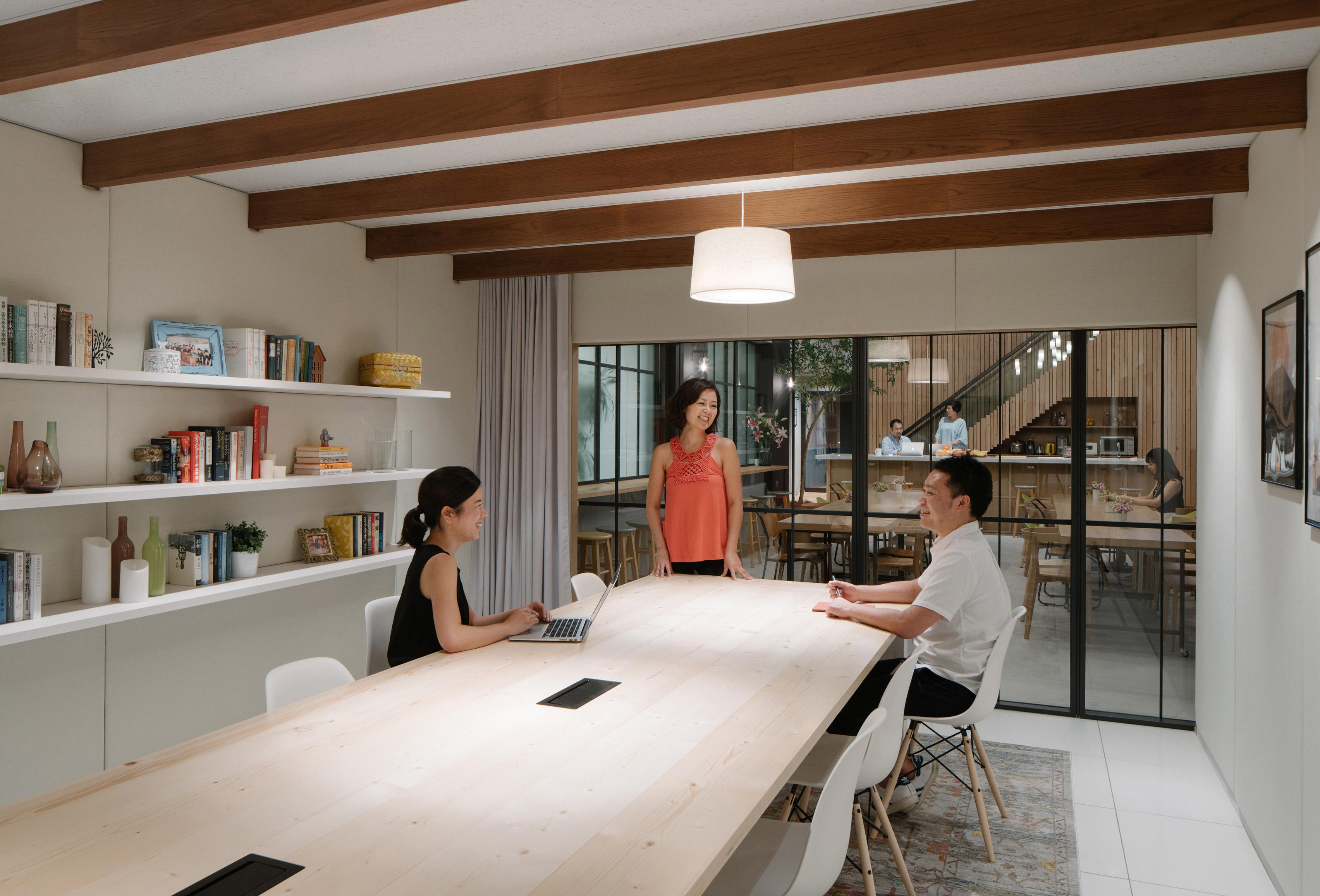 airbnb-tokyo-office-_dezeen_3408_4