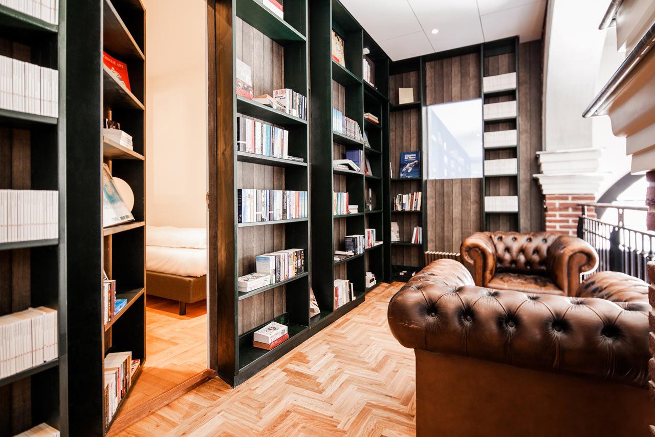 Destin-Hotel-Not-Hotel-19-bookcase