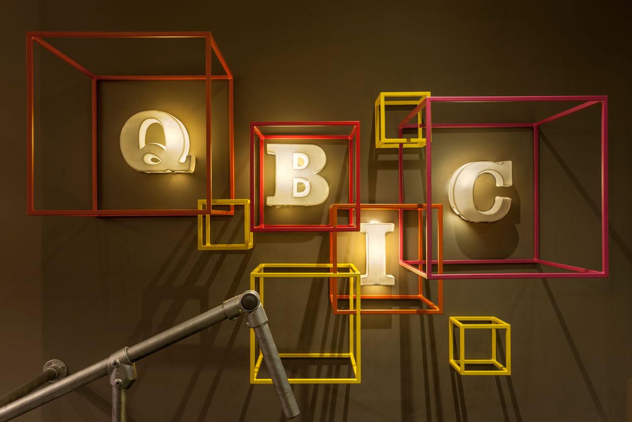Destin-QBic-Hotel-London-Blacksheep-1