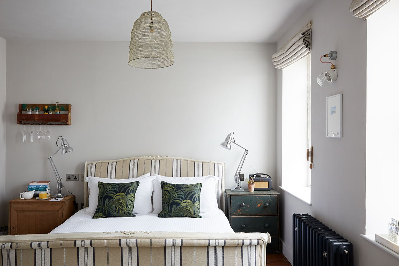 f6_artist_residence_penzance_comfy_luxe_yatzer