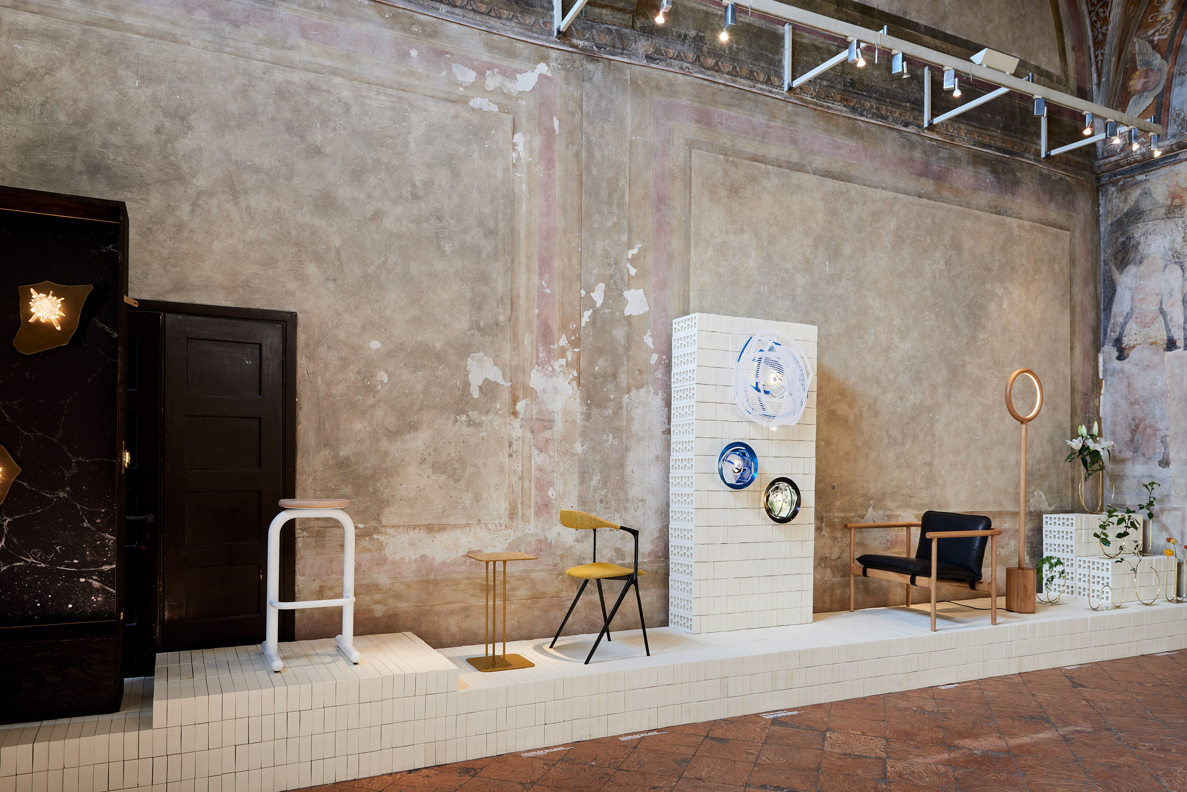 milan-local-design-australian-designers-lighting-furniture_dezeen_2364_col_10