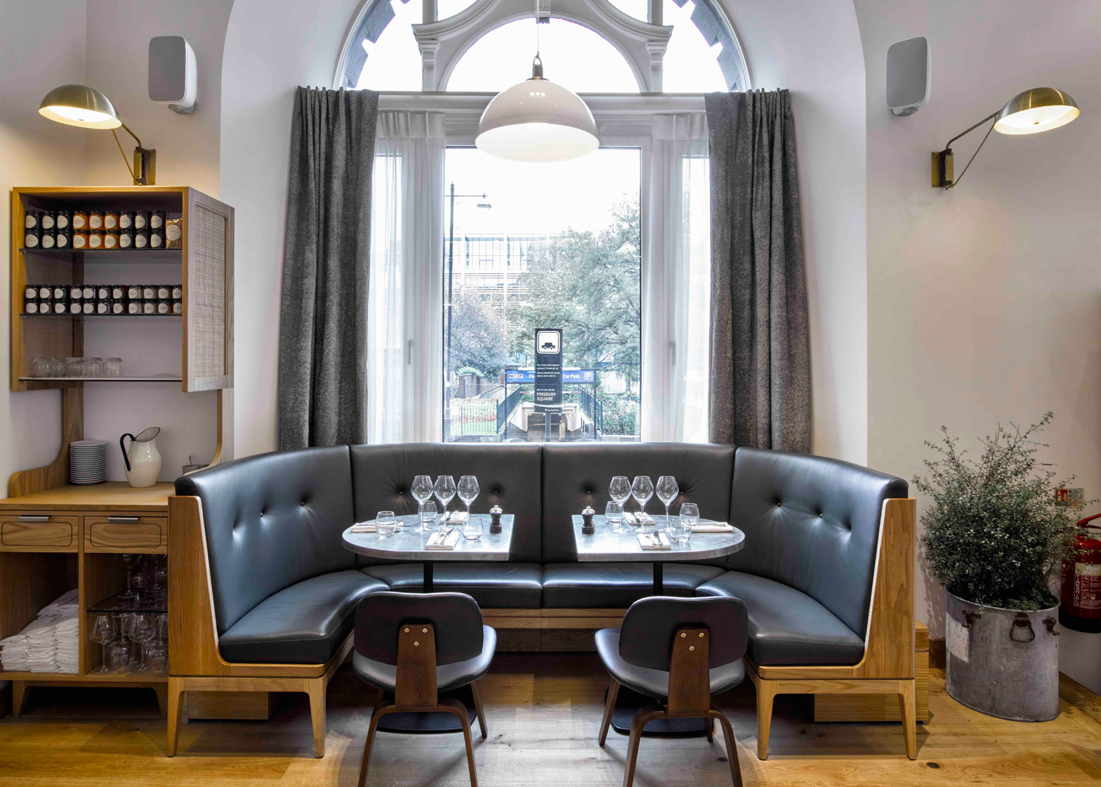 modern-pantry-avroko-restaurant-bar-interior-furniture-lighting-london-uk_dezeen_1568_13