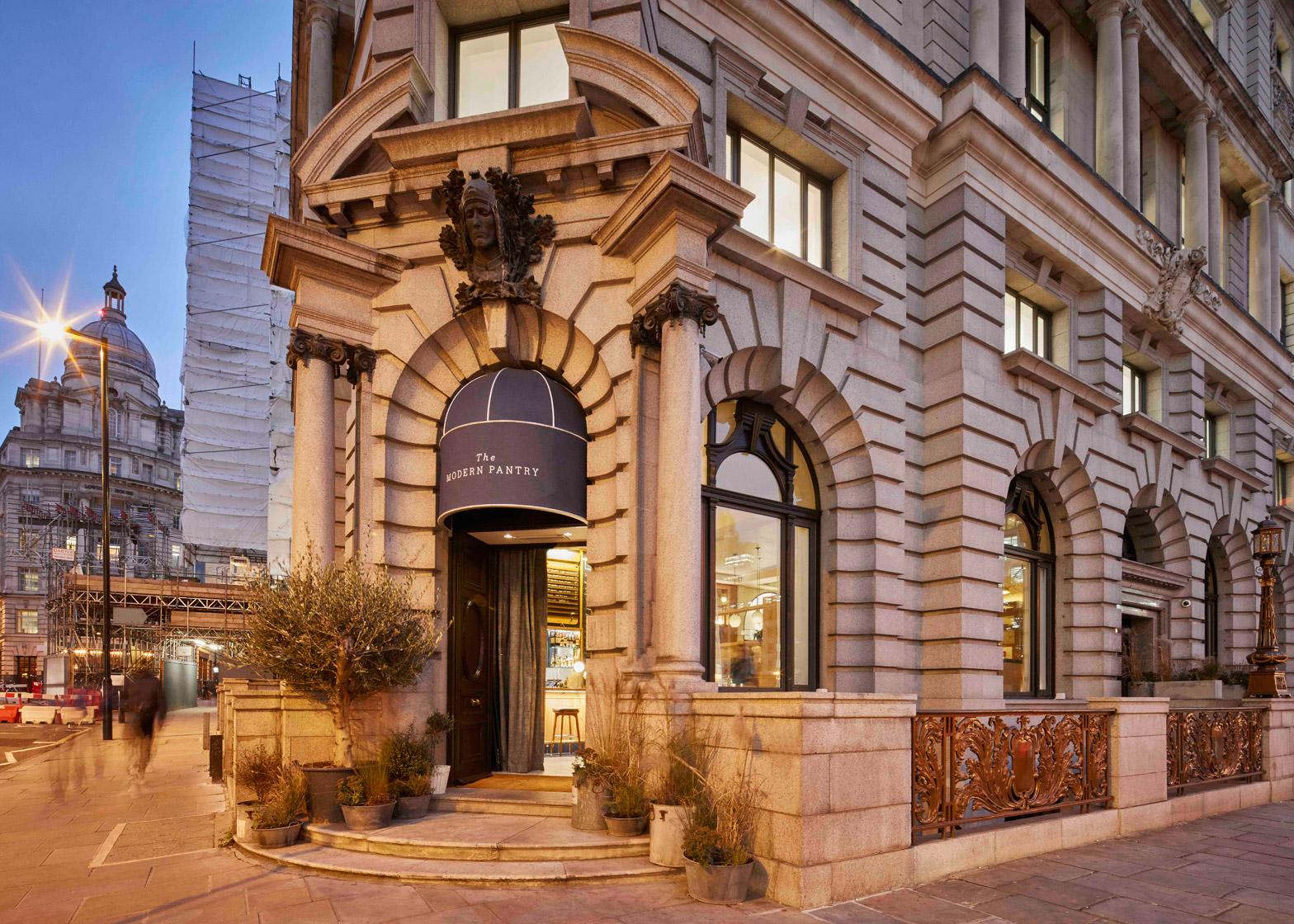 modern-pantry-avroko-restaurant-bar-interior-furniture-lighting-london-uk_dezeen_1568_5