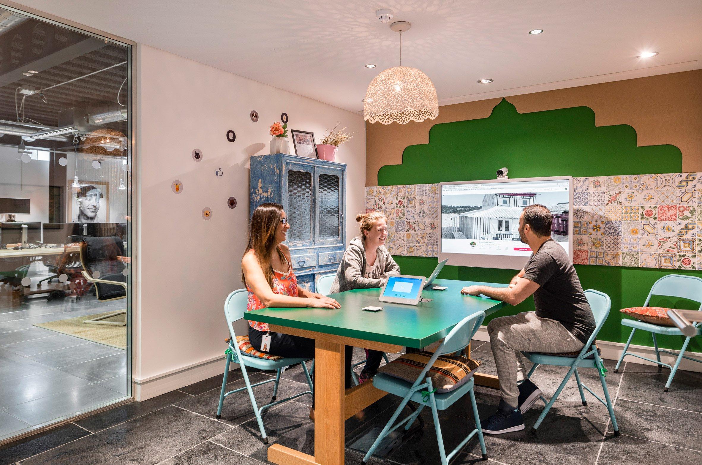airbnb-dublin-office-interiors-ireland-offices_dezeen_2364_col_23