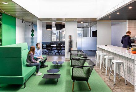 清新自然的Barrows办公空间设计