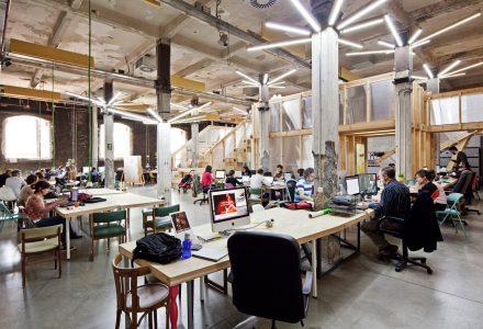 工业风孵化器办公空间设计
