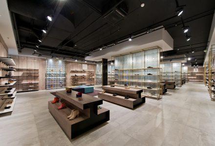 立陶宛Shoe Gallery多品牌集合鞋店