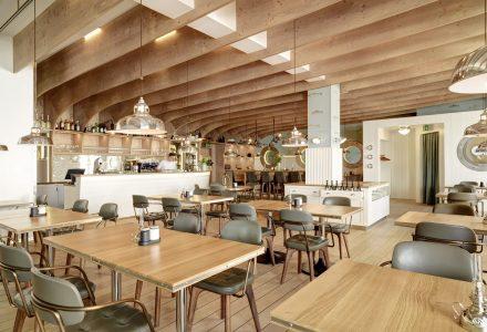 瑞士康斯坦茨湖畔的Hafen航海主题餐厅