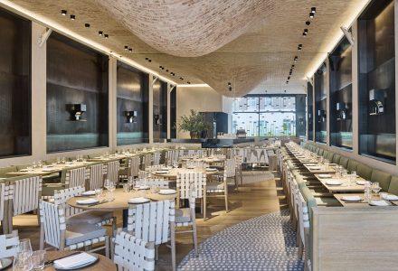 伦敦·高雅意式熔炉Fucina有机餐厅 / AMA