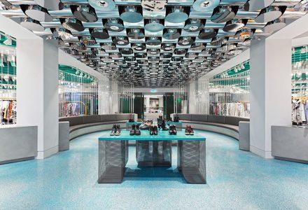 俄罗斯历史建筑改造的AuPontRouge购物中心