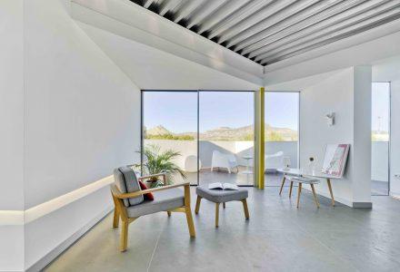 风景无垠的顶楼天台公寓设计
