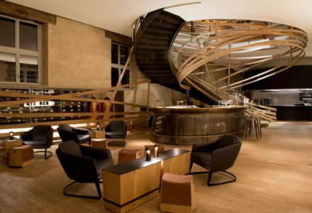 巴黎Les Haras de Strasbourg马场主题酒店设计
