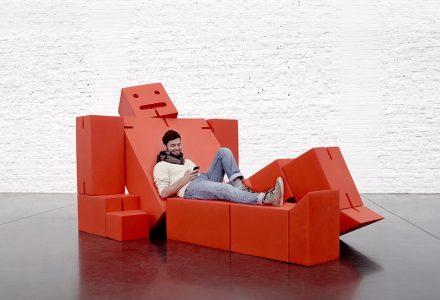 Giant Cubebot公共空间模块化休息区
