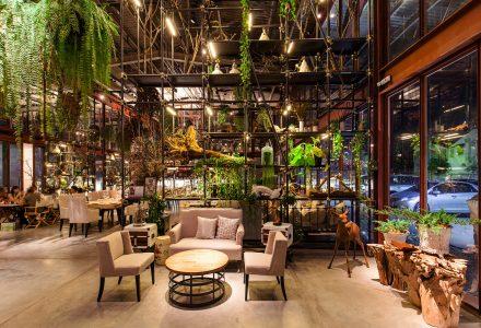 泰国曼谷·仓库改造Vivarium工业风餐厅设计