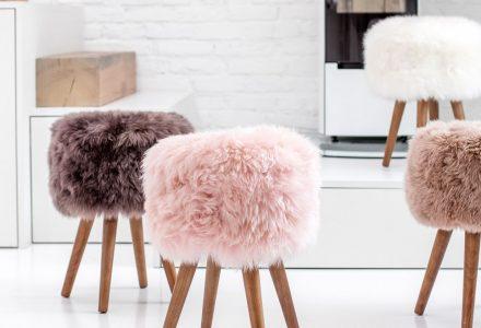 """用新西兰羊羊毛制成的""""皇家梦想""""凳子"""