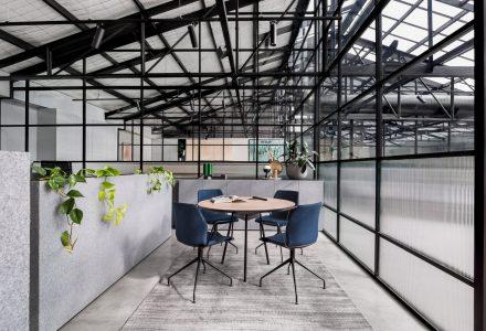 墨尔本仓库改造共享办公空间