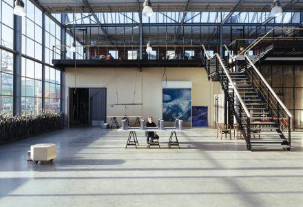 废弃工厂改造开放式办公场所
