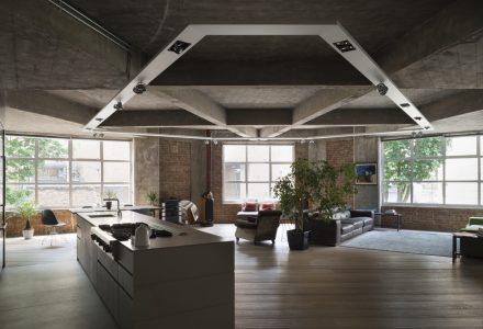 伦敦工业风公寓翻新设计