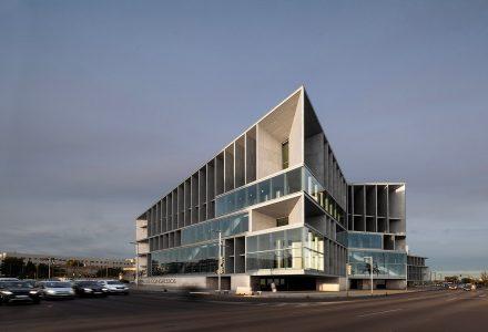 西班牙国会中心与酒店设计