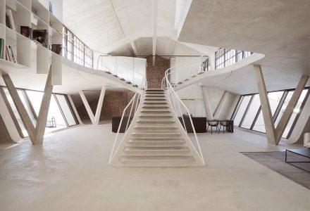 奥地利Panzerhalle阁楼住宅设计 / Smartvoll