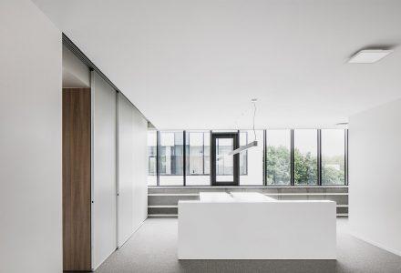比利时Legia会计事务所办公室设计