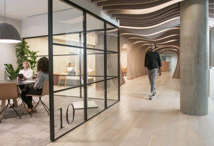 伦敦·Yoox Net-A-Porter科技中心