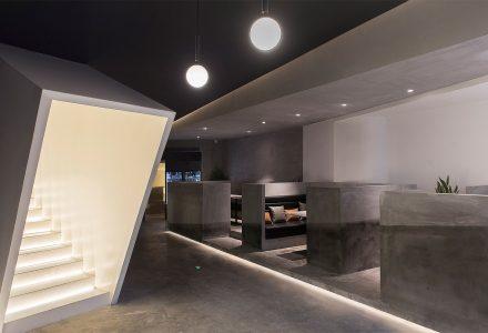 """贵州·""""彡口""""品牌茶饮餐厅设计 / 未来以北"""