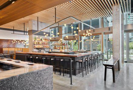 西雅图·Wild Ginger丹尼三角酒吧餐厅