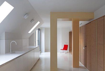 马德里90年代阁楼公寓翻新设计