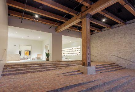 芝加哥·Notre品牌集合店翻新设计