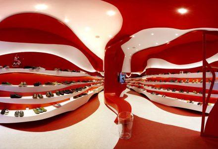 西班牙·Camper(看步)品牌店改造设计
