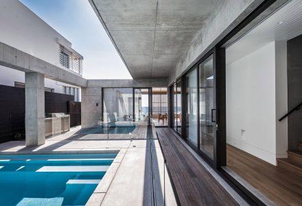 """澳大利亚""""美人鱼海滩""""住宅 / B.E Architecture"""