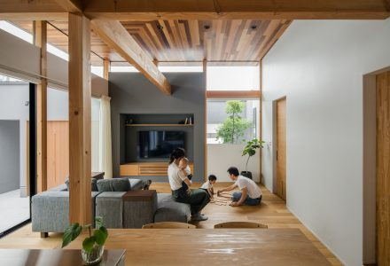"""日本Kamikasa当代的""""传统日式住宅"""""""