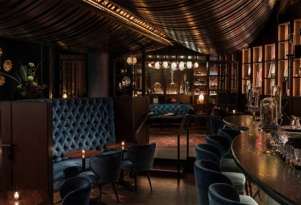 西雅图·亚马逊总部内的Deep Dive酒吧