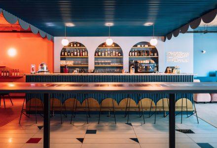 罗马尼亚·Jess小型酒吧餐厅