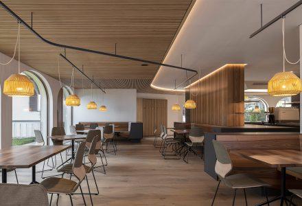 意大利·ZENTRAL咖啡餐厅设计