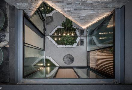 北京东绒线胡同64号住宅改造 / 八作建筑