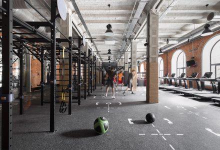 莫斯科·厂房改造的Sektsia健身房设计