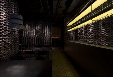 """广州·""""川隈杂谈II""""川菜餐厅 / 自由思考"""
