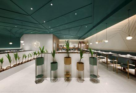 """广州·""""椰客·YECO""""椰子鸡火锅餐厅 / 艺鼎"""