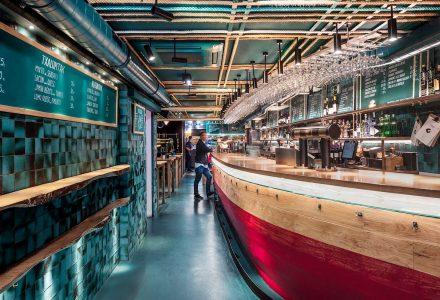 西班牙·TXALUPA GASTROLEKU酒吧餐厅设计