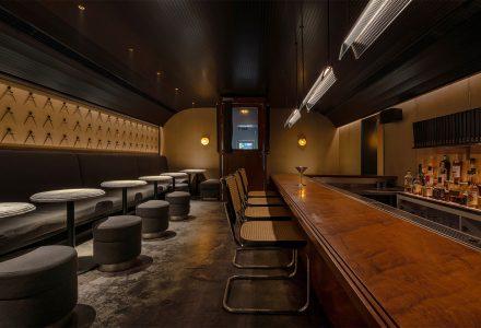 成都·Bar π美式风格酒吧 / iZ Design Studio